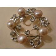 Broche perles d'eau douce